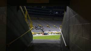 Read full article: Green Bay Packers Limit Attendance At Remaining Home Games