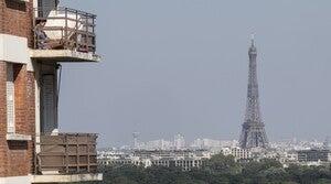 Clear sky in Paris