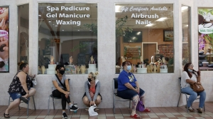Read full article: Milwaukee Opens Salons, Gyms. Bars, Restaurants Remain Closed
