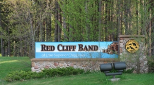 Read full article: Red Cliff Band Donates Fish To Bayfield Area Community