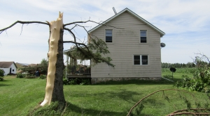 Tornado damage in Knowlton