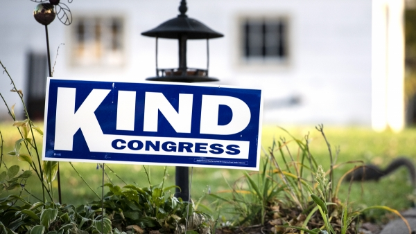 A yard sign for Rep. Ron Kind