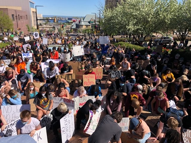 One Thousand People Demand Justice For Floyd In Duluth