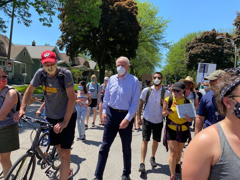 Milwaukee Mayor Tom Barrett joins demonstrators