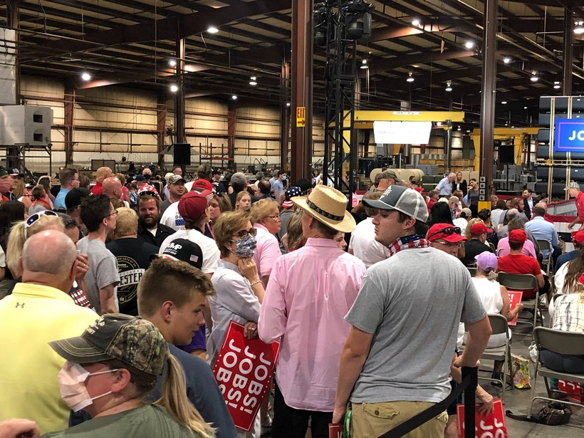Crowd at Mike Pence rally