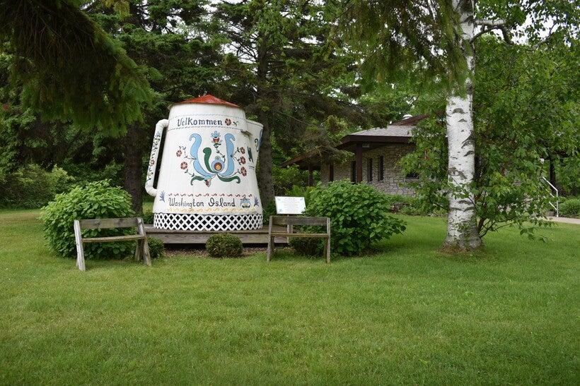 Giant coffee pot on Washington Island